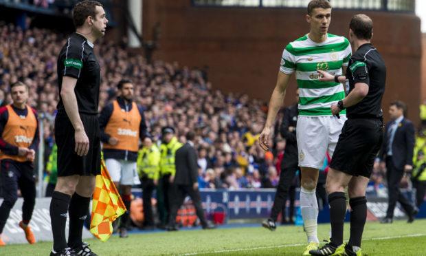 Celtic's Jozo Simunovic is sent off (SNS)