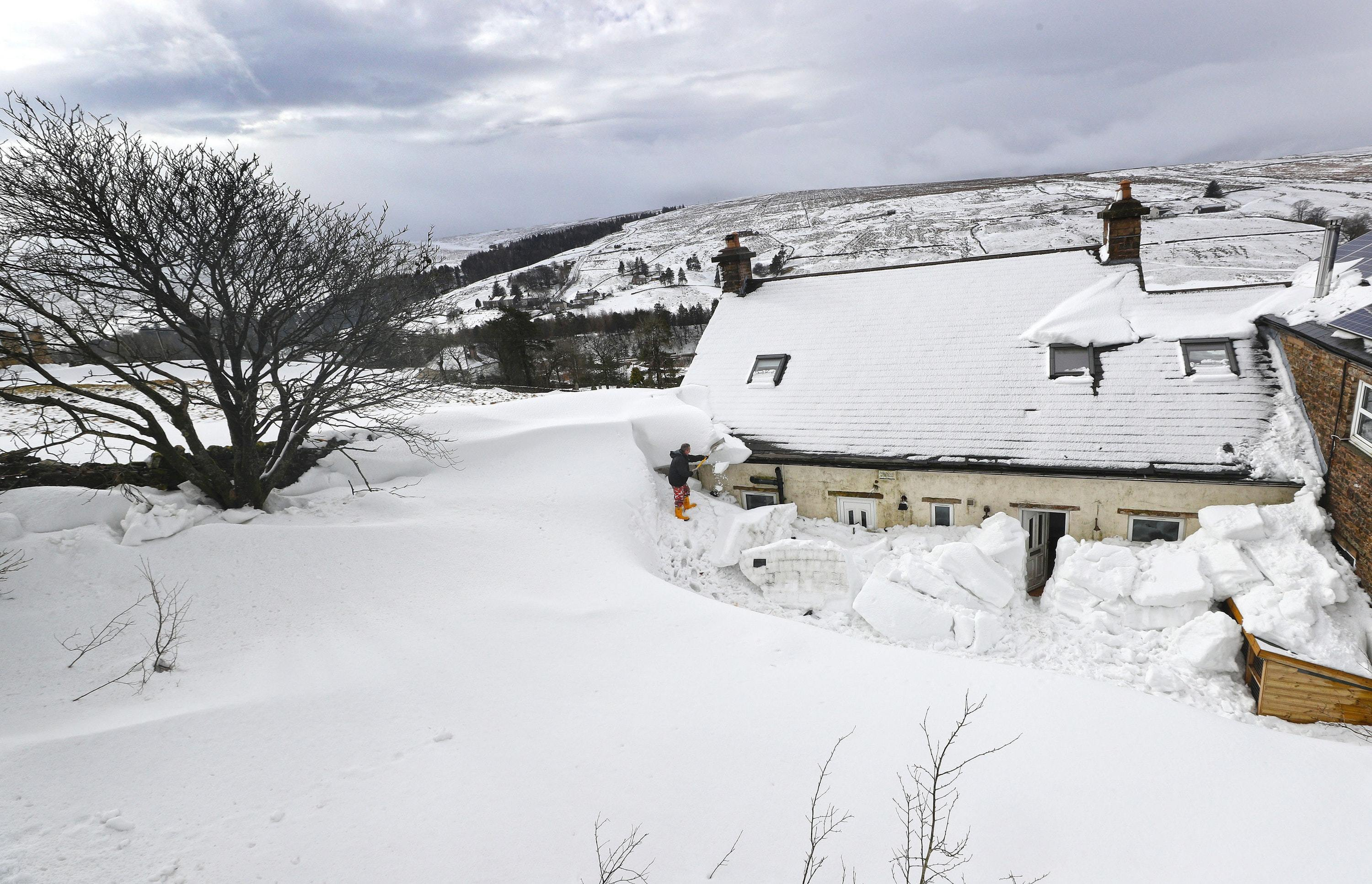"""Yellow snow warnings issued as 'mini Beast from the East"""" looks set to impact Britain (Owen Humphreys/PA)"""