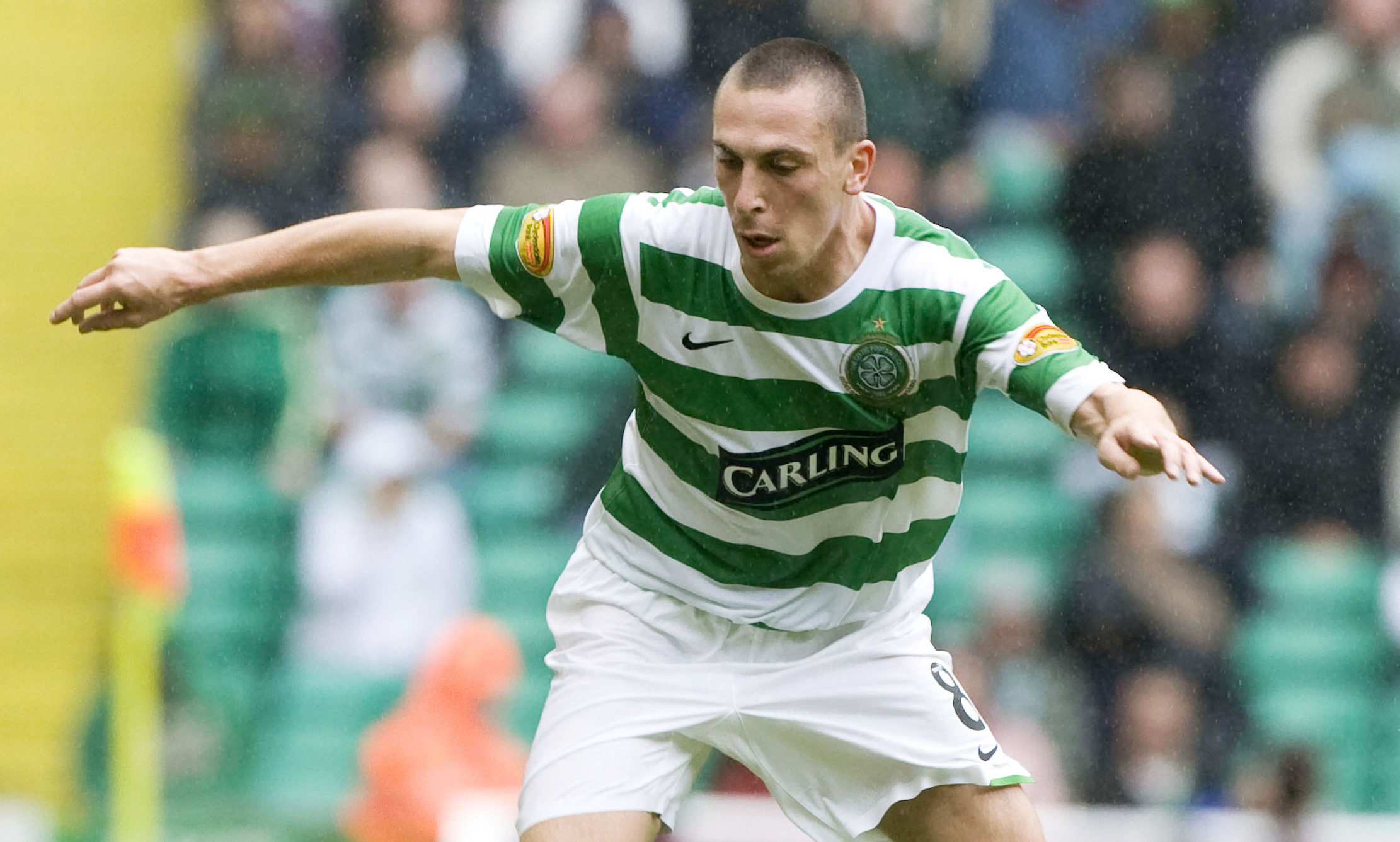Scott Brown in action for Celtic on his debut, 2007 (SNS Group / Bill Murray)