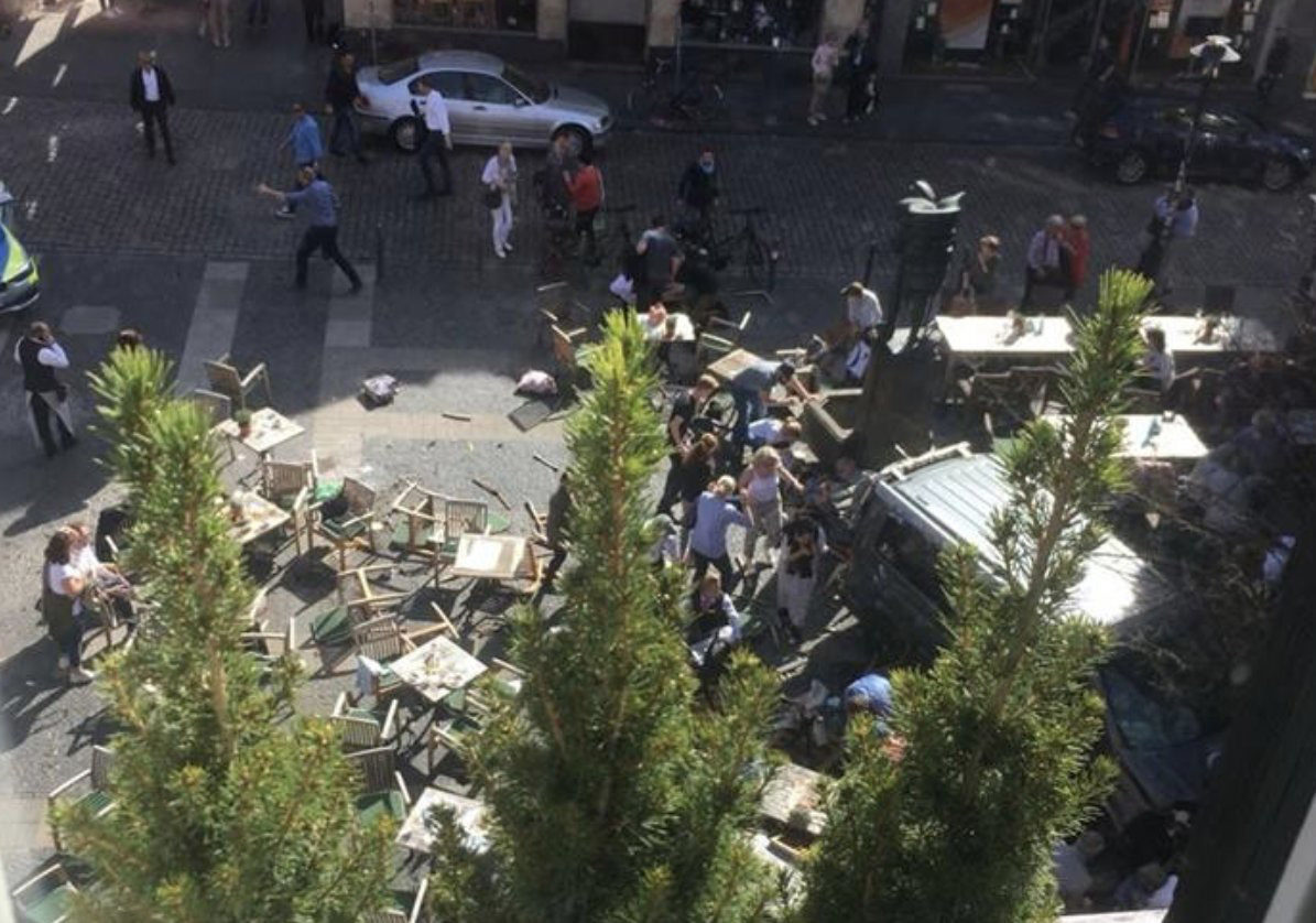 Munster incident: Car crashes into crowd in Germany killing several