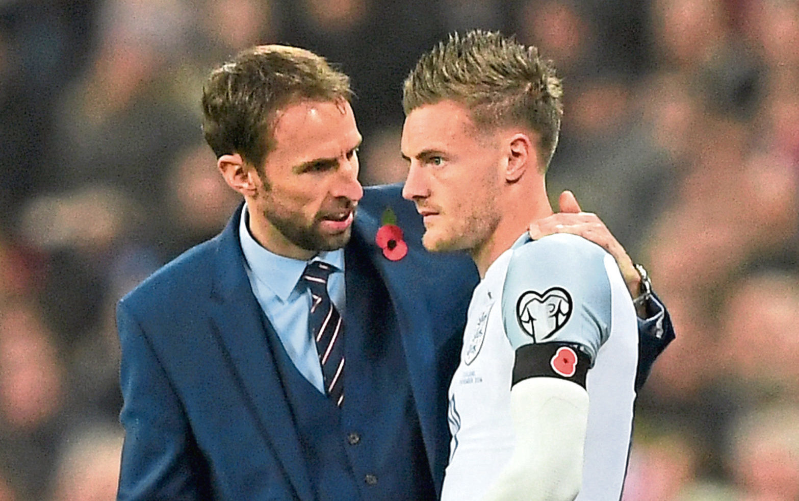 England boss Gareth Southgate with substitute Jamie Vardy (Shaun Botterill/Getty Images)