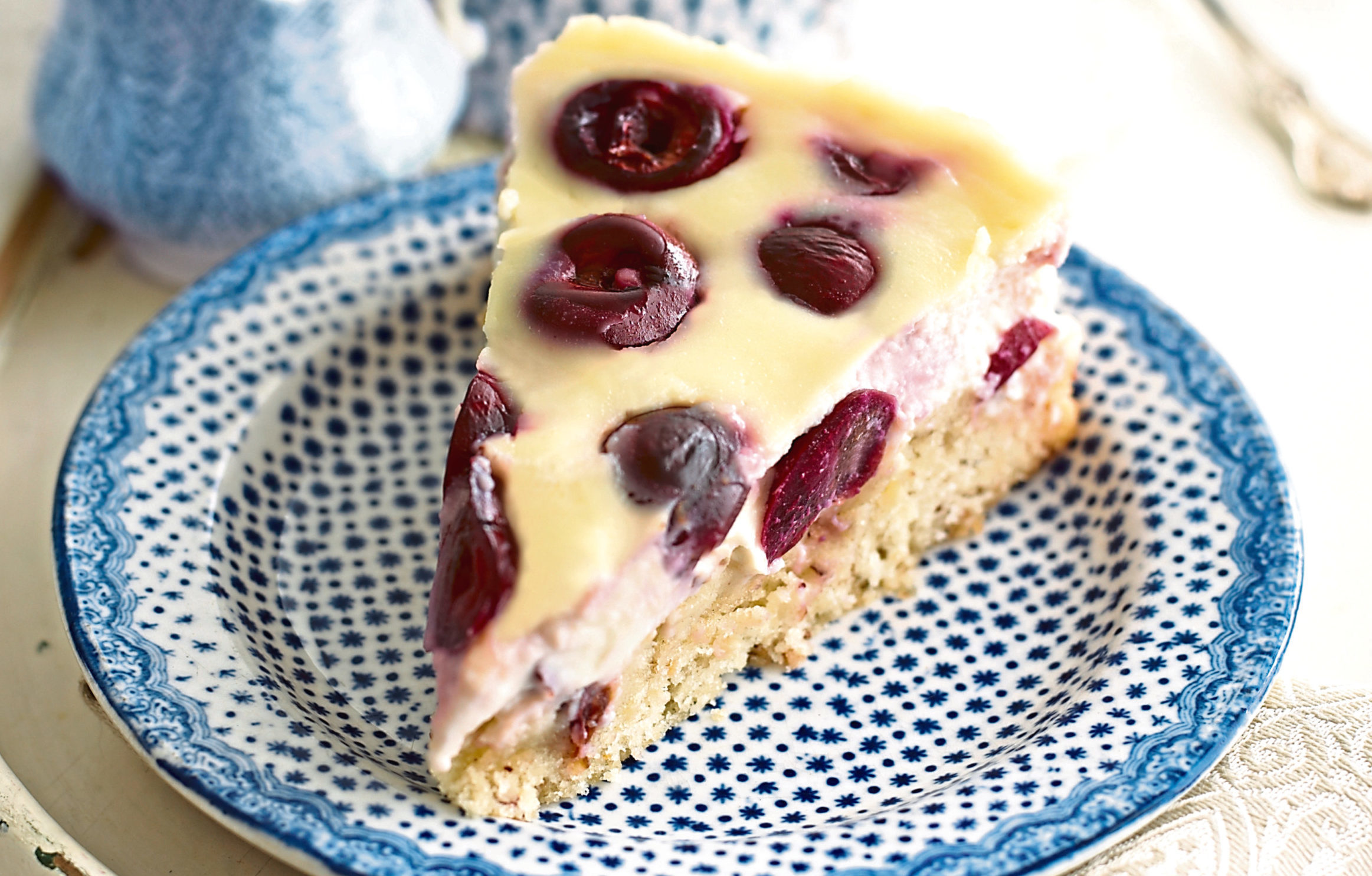 Cherry and ricotta cake