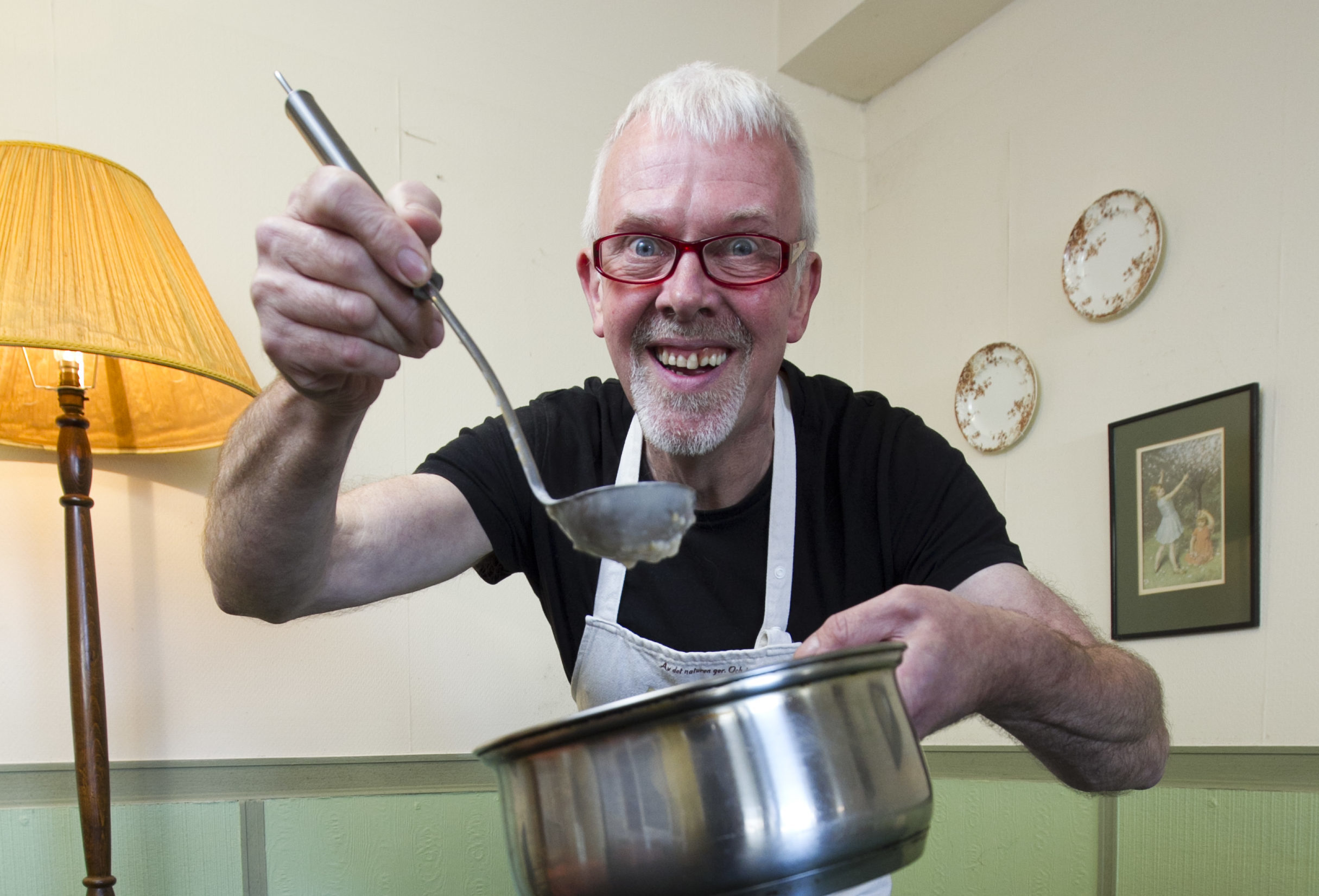 Former champion, Neal Robertson, is one of the 30 hopefuls wanting to win the 25th World Porridge Making Championships. (Andrew Cawley)