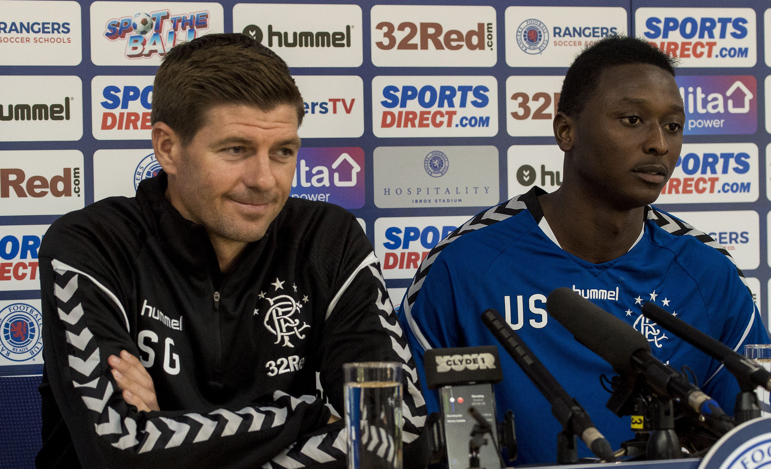 Rangers manager Steven Gerrard and Umar Sadiq (SNS Group)