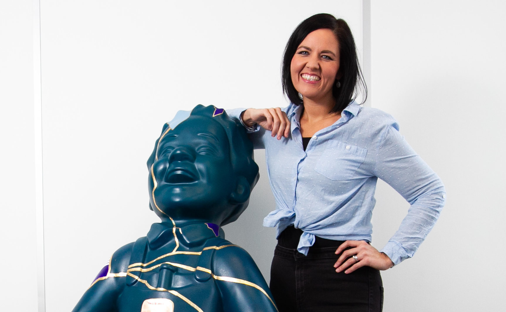 Hannah Biddulph with Edinburgh Children's Hospital Charity's unique Oor Wullie sculpture (Andrew Cawley / DCT Media)