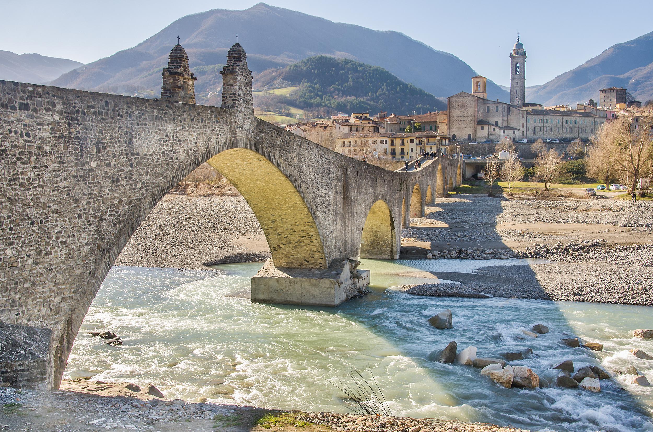 Ponte Gobbo spans the Trebbia river
