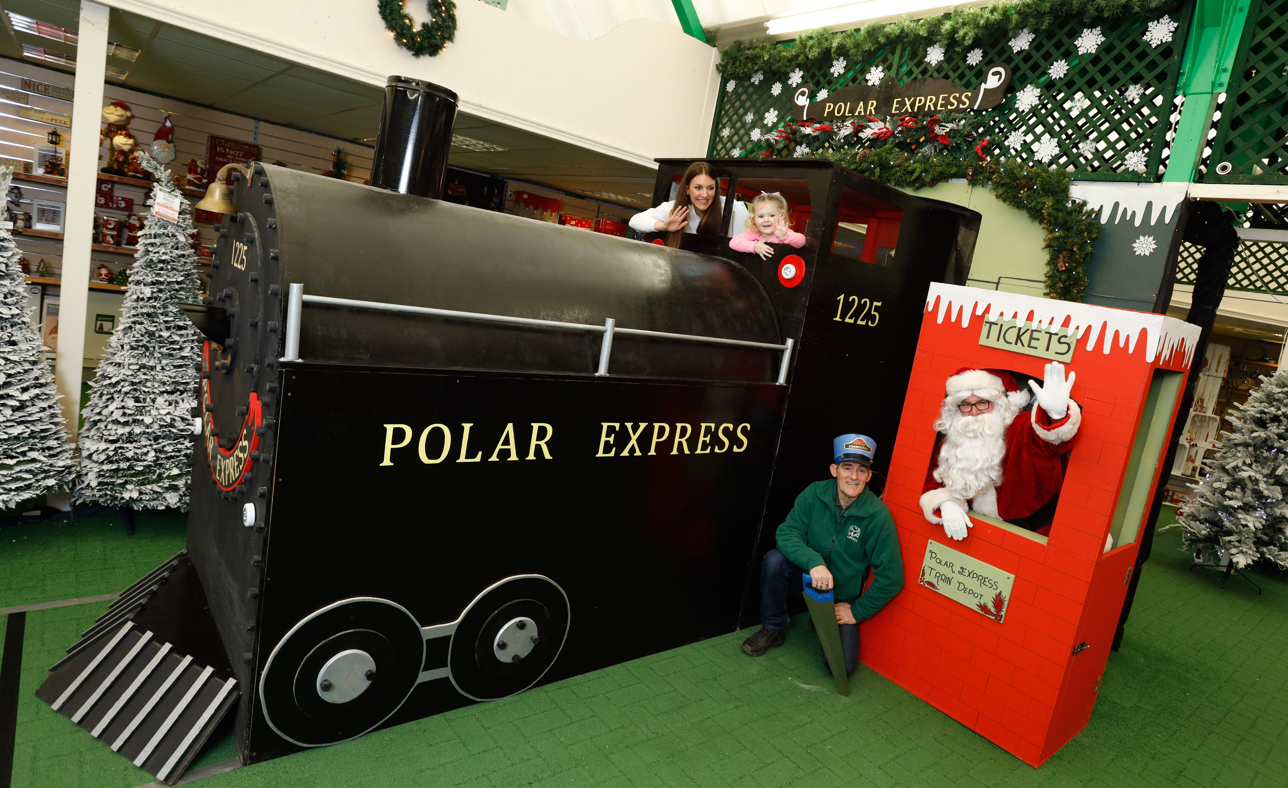 Gourock children experience Hollywood festive magic as local