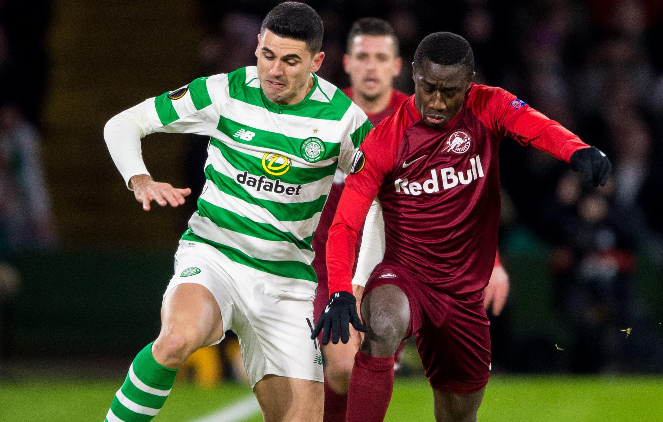Celtic's Tom Rogic battles with RB Salzburg's Diasie Samassekou (SNS Group / Ross Parker)