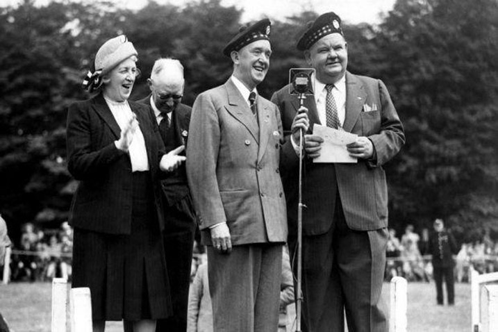 Stan Laurel and Oliver Hardy in Giffnock, Glasgow in 1947.