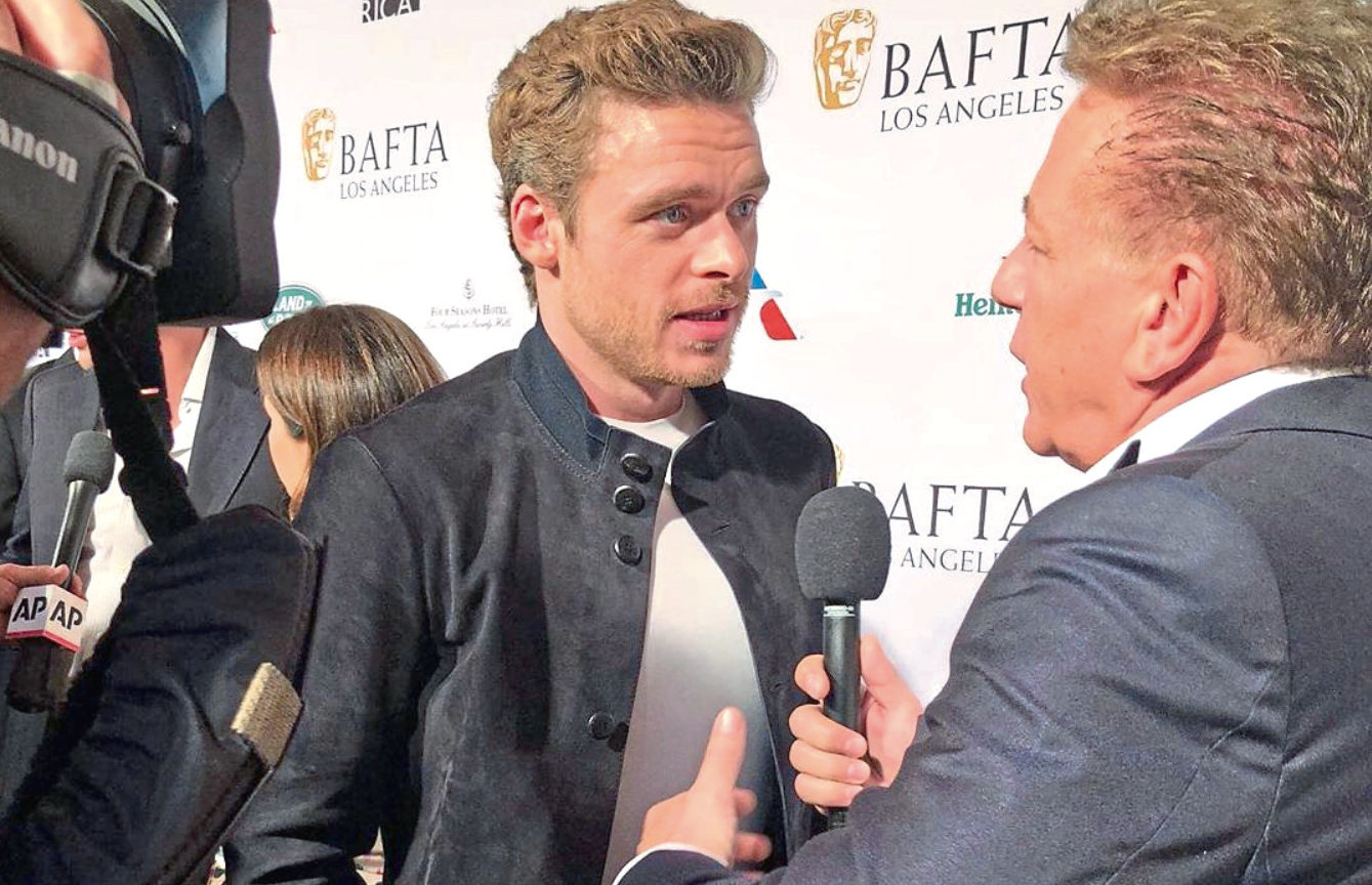Ross interviews Richard Madden on the red carpet