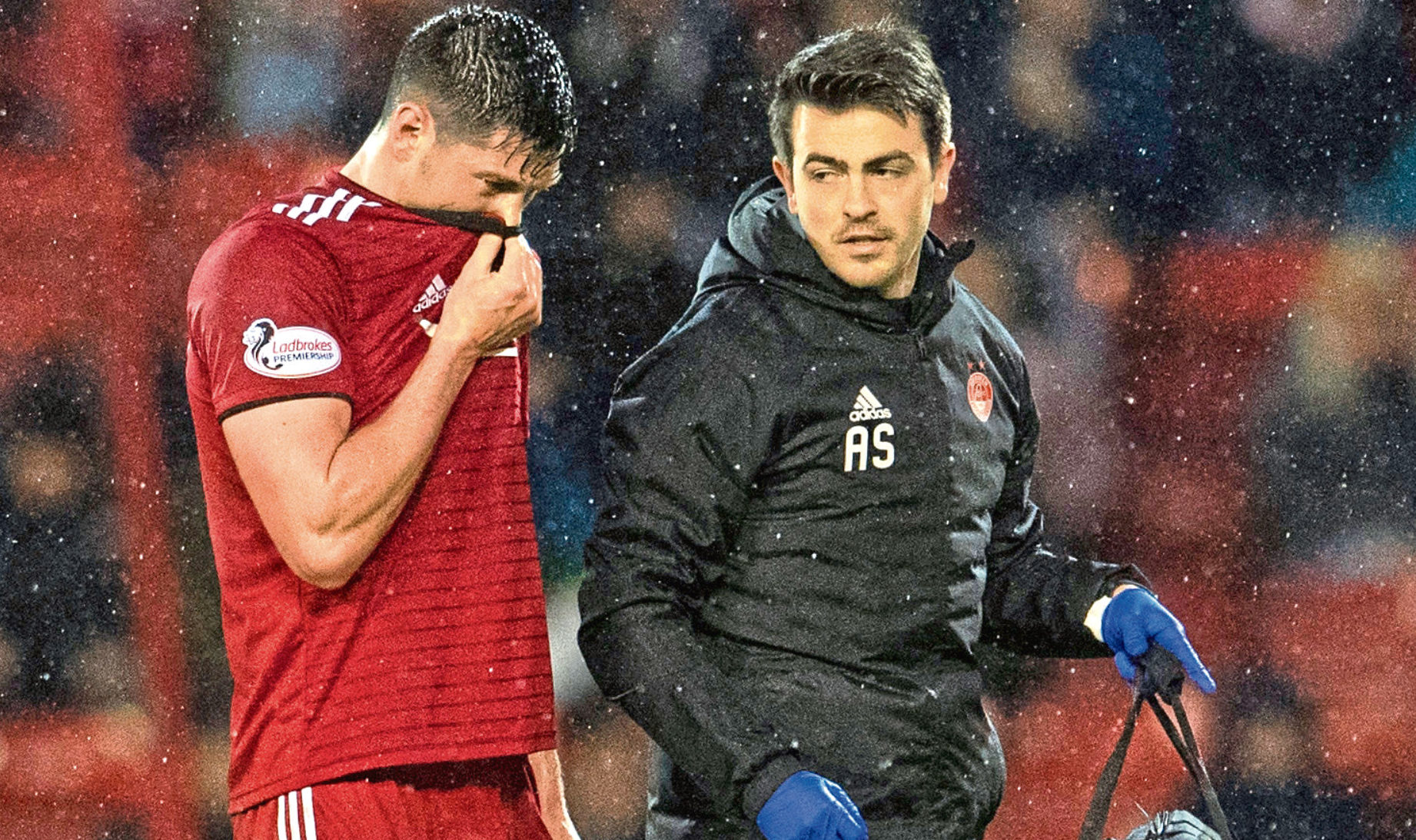 Aberdeen's Scott McKenna is forced off with an injury (SNS Group)