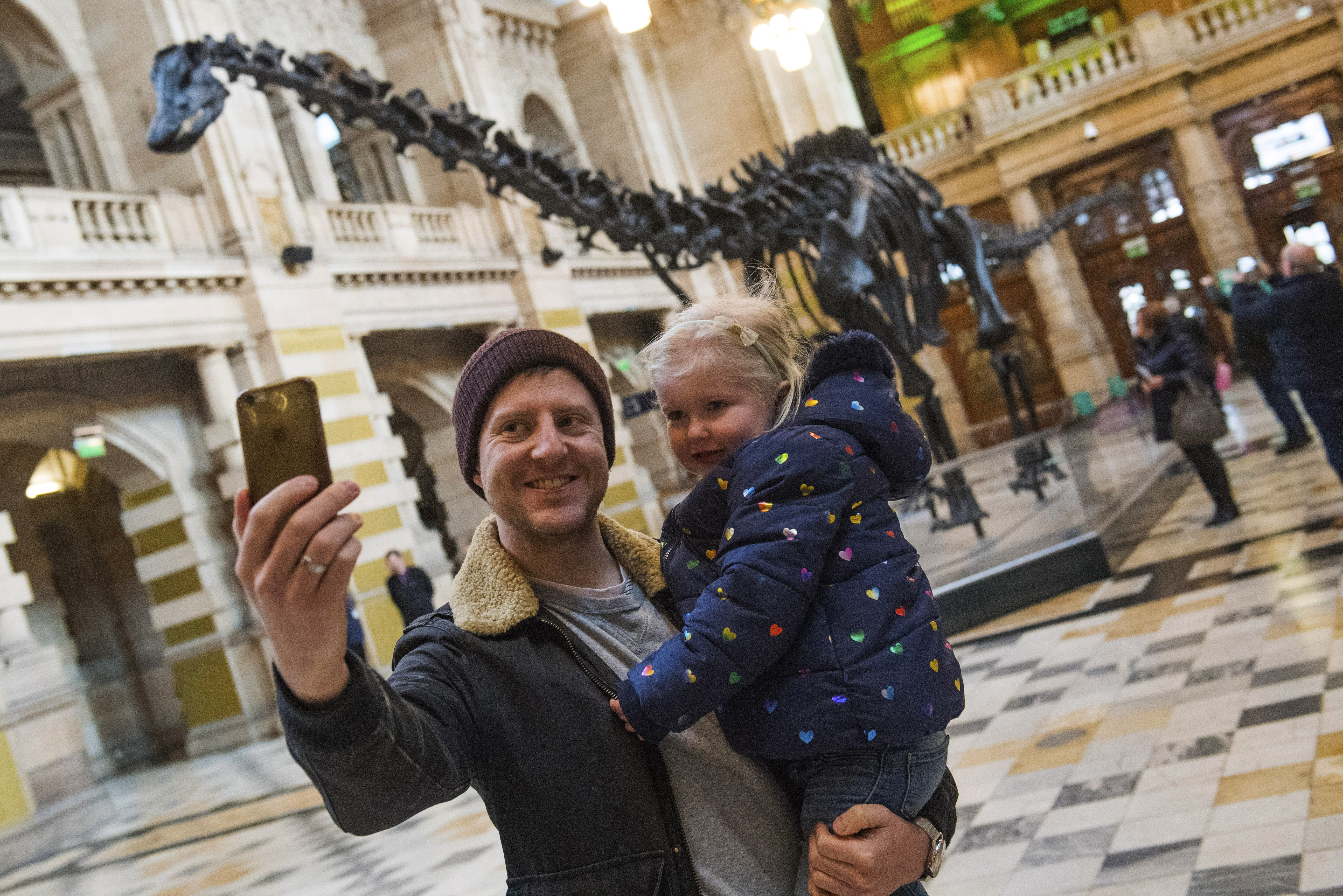 The famous Diplodocus is ready to meet Scottish audiences at Kelvingrove Art Gallery and Museum in Glasgow (SNS Group / Gary Hutchison)