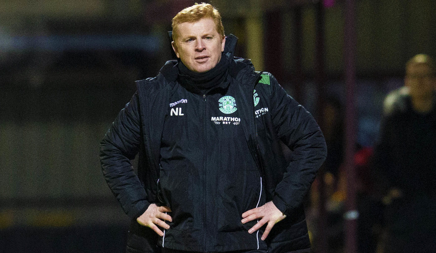 Hibs manager Neil Lennon frustrated on the touchline (SNS Group / Bruce White)