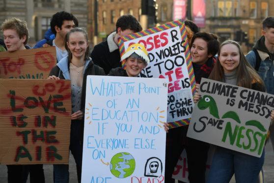 Schoolchildren make their voices heard in George Square