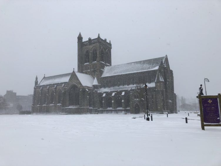 Paisley Abbey in the snow
