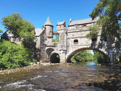 Airbnb release best escapes within two hours of Glasgow and Edinburgh