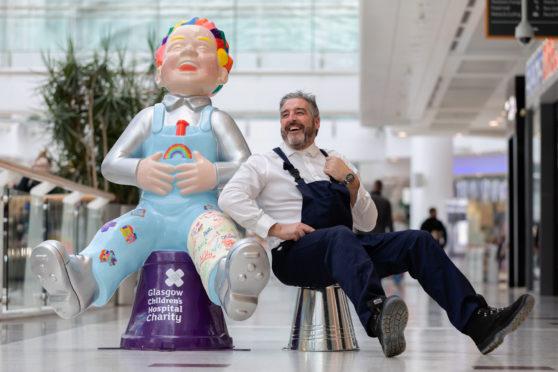 Shopping centre boss Peter meets Oor Wullie