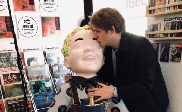 Scots singer Lewis Capaldi lends his signature to Oor Wullie's Big Bucket Trail sculpture - Sunday Post