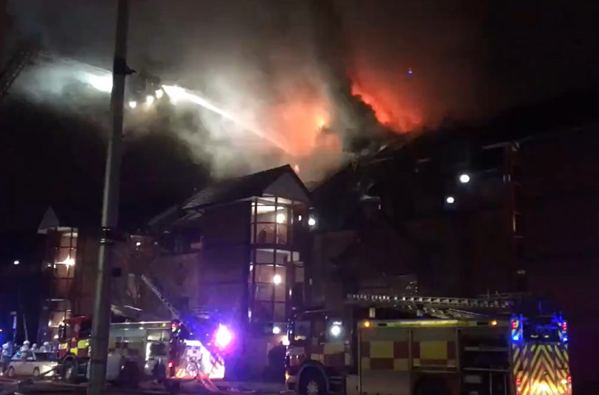 VIDEO: Firefighters tackle blaze in Glasgow city centre riverside flats - Sunday Post